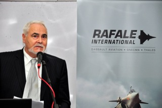 Pic 1_Daniel Fremont, Rafale Malaysia Program Director delivering his speech